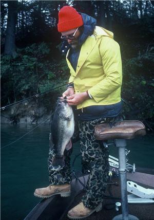 10 pound bass 300