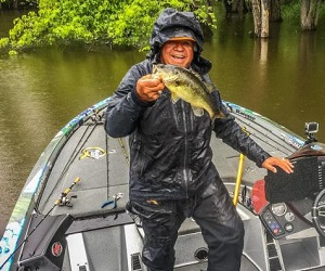 Jimmy Houston having fun in the rain. (FLW Fishing)