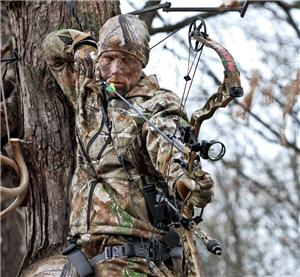 bow hunter treestand fall