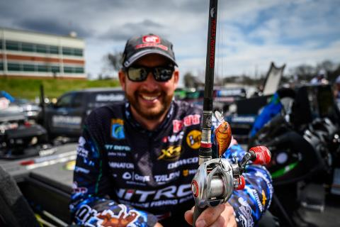 News & Tips: Ott DeFoe's Bassmaster Classic Winning Tackle & Tactics (video)...