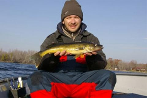 News & Tips: Walleye Require Boat Control