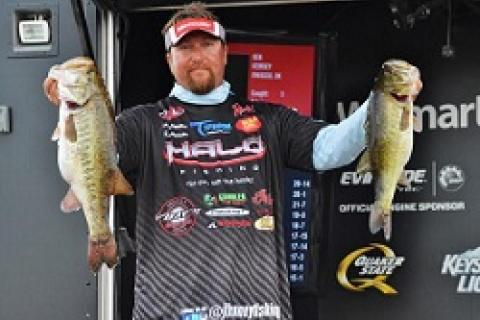 JT Kenney With a Double at the FLW Toho Event