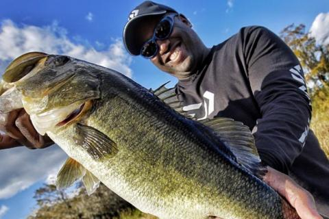 News & Tips: Ish Monroe's Crash Course Fishing Tips to Spring-Time Florida Bassin!...