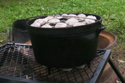News & Tips: Holiday Cooking With a Dutch Oven