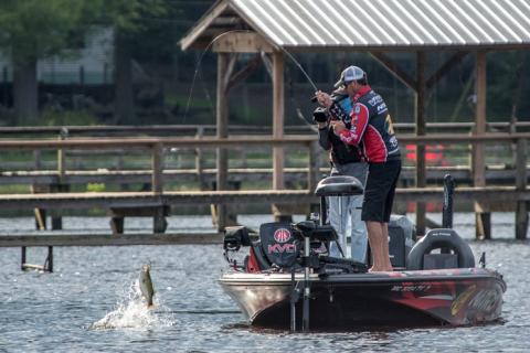 News & Tips: KVD's 6 Ultimate Fall Dock Fishing Tips...