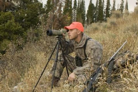 News & Tips: How to Pick a Spotting Scope Buyer's Guide...