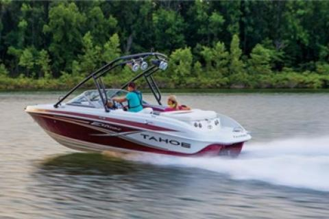 News & Tips: Power Boating Tips for Beginners