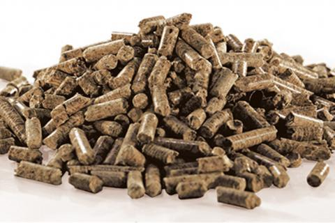 Smoke pellets for smoking food