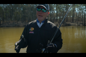 1Source Video: Warm Hands for Fishing Require the Right Gloves