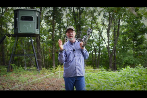 1Source Video: 3 Advantages to Bow Hunting From a Blind