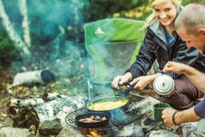 News & Tips: 10 Easy Breakfast Recipes for Campers & Hikers...