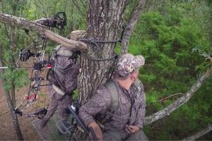 News & Tips: Bow Hunting Whitetails: Back to Back Two Does Down (video)...