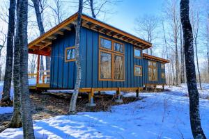Tiny Glamping Cabin by Tiny Glamping Cabin