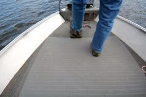 News & Tips: Deck Mats Make Boating Easier on the Body...