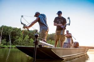 News & Tips: Give Bowfishing a Try