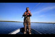 1Source Video: Flipping Jigs: Transitioning Fall Weedline Bass